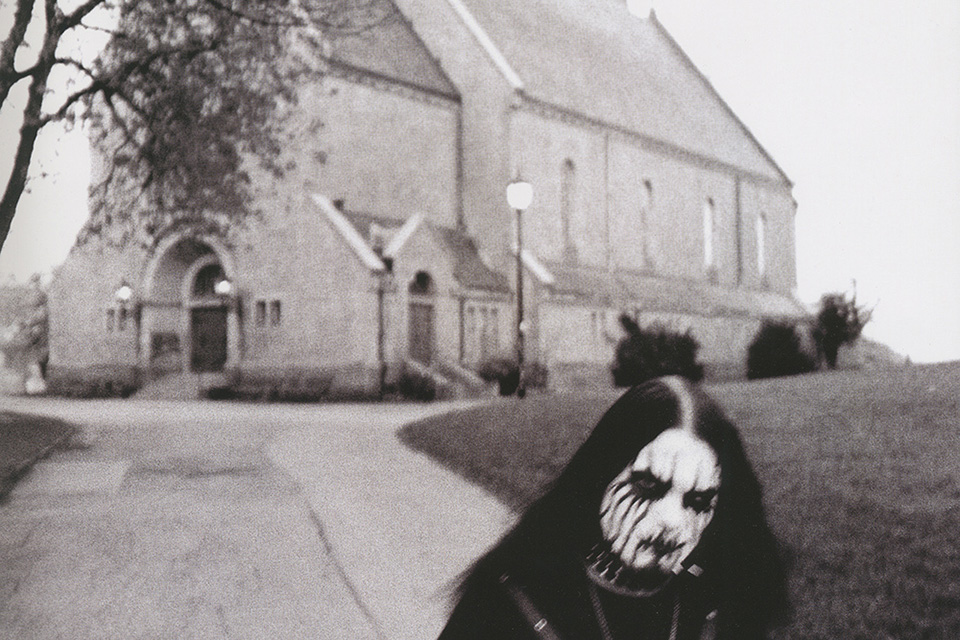 BLACK-METAL-BURNIN-CHURCHES