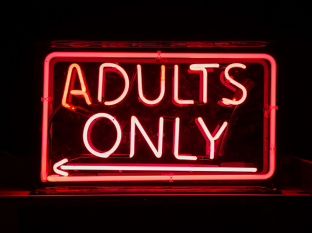 adults-only-abreelojo