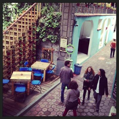 Bar_en_Casa_fusio_n_en_Mexico_amueblado_con_palets_5